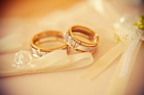 结婚戒指 黄金戒指的寓意